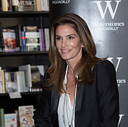 Author photo. Cindy Crawford at the Becoming book signing at Waterstone's Piccadilly in London By Ibsan73 - <a href=&quot;https://www.flickr.com/photos/63465486@N07/21720243408/&quot; rel=&quot;nofollow&quot; target=&quot;_top&quot;>https://www.flickr.com/photos/63465486@N07/21720243408/</a>, CC BY-SA 2.0, <a href=&quot;https://commons.wikimedia.org/w/index.php?curid=43957519&quot; rel=&quot;nofollow&quot; target=&quot;_top&quot;>https://commons.wikimedia.org/w/index.php?curid=43957519</a>