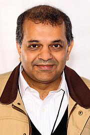 "Author photo. Author Suketu Mehta at the 2019 Texas Book Festival in Austin, Texas, United States. By Larry D. Moore, CC BY-SA 4.0, <a href=""https://commons.wikimedia.org/w/index.php?curid=83428335"" rel=""nofollow"" target=""_top"">https://commons.wikimedia.org/w/index.php?curid=83428335</a>"