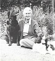 Author photo. Antonia Hunt, Devon (1981)
