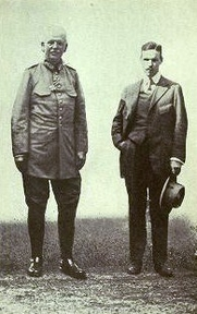 Author photo. General von Boehn (left), commanding the Ninth German Army, and Mr. Powell. Image from <b><i>Fighting in Flanders</i></b> (1915) by E. Alexander Powell