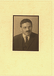 Author photo. Photographer unknown.  From the <a href=&quot;http://photography.si.edu/SearchImage.aspx?t=5&id=3463&q=SIL14-E1-02&quot;>Smithsonian Institution, Dibner Library of the History of Science and Technology</a>