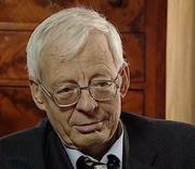 Author photo. Emmanuel Le Roy Ladurie en 2001 à l'occasion d'un long entretien patrimonial pour la TV, fait par l'Institut National de l'Audiovisuel en partenariat avec la chaîne 'l'histoire' en tant qu'historien réputé et reconnu