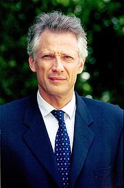 Author photo. (c) David Mendiboure - Service photo de Matignon / Service photographique du Premier ministre