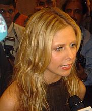 Author photo. Sarah Michelle Gellar at the Dubai International Film Festival 2004 [source: Saudi via Wikipedia]