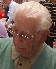 Author photo. By Le grand Cricri - <a href=&quot;https://commons.wikimedia.org/wiki/File:Jean_Anglade_%C3%A0_la_foire_du_livre_2010_de_Brive_la_Gaillarde.JPG&quot; rel=&quot;nofollow&quot; target=&quot;_top&quot;>https://commons.wikimedia.org/wiki/File:Jean_Anglade_%C3%A0_la_foire_du_livre_2010_de_Brive_la_Gaillarde.JPG</a>, CC BY-SA 3.0, <a href=&quot;https://commons.wikimedia.org/w/index.php?curid=28129013&quot; rel=&quot;nofollow&quot; target=&quot;_top&quot;>https://commons.wikimedia.org/w/index.php?curid=28129013</a>