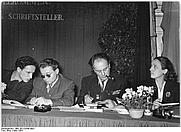 Author photo. Alex Wedding (far right).  Photo by Illner. (Deutsches Bundesarchiv Bild 183-23686-0003)