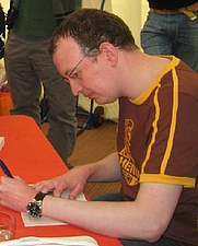Author photo. <a href=&quot;http://fr.wikipedia.org/wiki/Fichier:Robert_Muchamore.jpg&quot; rel=&quot;nofollow&quot; target=&quot;_top&quot;>http://fr.wikipedia.org/wiki/Fichier:Robert_Muchamore.jpg</a>