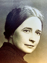 Author photo. By Unknown - <a href=&quot;http://www.theofficialschalloffame.com/women.html&quot; rel=&quot;nofollow&quot; target=&quot;_top&quot;>http://www.theofficialschalloffame.com/women.html</a>, Public Domain, <a href=&quot;https://commons.wikimedia.org/w/index.php?curid=36393569&quot; rel=&quot;nofollow&quot; target=&quot;_top&quot;>https://commons.wikimedia.org/w/index.php?curid=36393569</a>