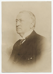 Author photo. Photographer unknown.  From the <a href=&quot;http://photography.si.edu/SearchImage.aspx?id=5137&quot;>Smithsonian Institution, Archives of American Art</a>, Charles Scribner's Sons Art Reference Department Records, c. 1865-1957