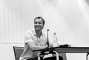 """Author photo. Edgar Rai las am 23.August 2016 in der Stadtbibliothek Düsseldorf aus seinem Roman """"Etwas bleibt immer"""". By Udoweier - Own work, CC BY-SA 4.0, <a href=&quot;https://commons.wikimedia.org/w/index.php?curid=50857670&quot; rel=&quot;nofollow&quot; target=&quot;_top&quot;>https://commons.wikimedia.org/w/index.php?curid=50857670</a>"""