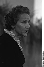 Author photo. Marion Gräfin Dönhoff, 1971. Foto von Detlef Gräfingholt. (Deutsches Bundesarchiv B 145 Bild-F035071-0006)