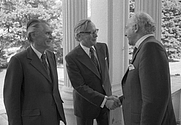 Author photo. Erwin Wickert (left), with Walter Scheel (right) and Günter Gaus, 1976 <br> (by Lothar Schaack, CC-BY-SA 3.0)