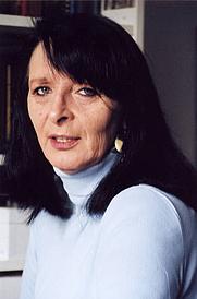 Author photo. Sylvia Jurewitz-Freischmidt (Foto Credit @ Casimir Katz Verlag)