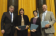 Author photo. Heidi Evans, second from left.  Columbia University. <A HREF=&quot;http://www.pulitzer.org/citation/2007%2CEditorial+Writing&quot;> pulitzer.org</A>