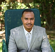 Author photo. Photo by Steve Munoz, stevesinfocus.com