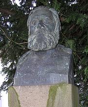 Author photo. Hermann Kurz Denkmal in Esslingen am Neckar, Germany. Photo Credit: user Zwiegel / Wikimedia Commons
