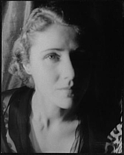 Author photo. Photo by Carl Van Vechten: Library of Congress Prints and Photographs Division, Carl Van Vechten photograph collection (REPRODUCTION NUMBER:  LC-USZ62-116604)