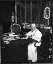 Author photo. Underwood & Underwood (1905)