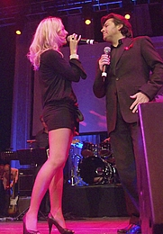 "Author photo. Juliette Schoppmann & Thomas Anders performing on the charity concert ""Cover me"" at Palladium, Cologne, Germany, 2007 [© Raimond Spekking / CC-BY-SA-3.0; grabbed from Wikipedia]"