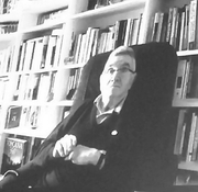 """Author photo. Claude Allègre le 1 décembre 2016, en tant que membre de l'Académie des sciences, lors de la contre conférence à la """"C-COP22"""" des climato-sceptiques, Paris, France"""