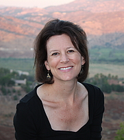 Author photo. Author Midge Raymond