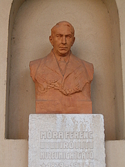 Author photo. Photo by <a href=&quot;http://commons.wikimedia.org/wiki/User:V%C3%A1radi_Zsolt&quot;>Váradi Zsolt</a>.