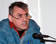 Author photo. By Jos van Zetten from Amsterdam, the Netherlands - Internationale dag tegen racisme, Thomas von der Dunk, CC BY 2.0, <a href=&quot;https://commons.wikimedia.org/w/index.php?curid=9862495&quot; rel=&quot;nofollow&quot; target=&quot;_top&quot;>https://commons.wikimedia.org/w/index.php?curid=9862495</a>