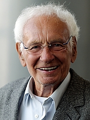 Author photo. S. Fischer-Fabian