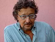Author photo. <a href=&quot;http://www.libricheblog.it/tag/il-privilegio-di-essere-un-guru&quot; rel=&quot;nofollow&quot; target=&quot;_top&quot;>http://www.libricheblog.it/tag/il-privilegio-di-essere-un-guru</a>