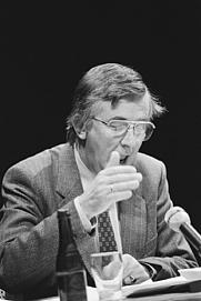 Author photo. Bert ter Schegget in 1982 [credit: Anefo / Antonisse, Marcel; source: Nationaal Archief Fotocollectie Anefo; grabbed from Wikipedia]