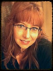 Author photo. American author and novelist, Richelle E. Goodrich