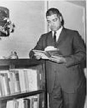 Author photo. World Telegram & Sun photo by John Bottega, 1963 (Library of Congress Prints and Photographs Division, LC-USZ62-121755)