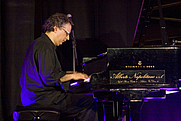 Author photo. Simon Miele, 2006