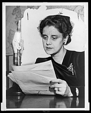 Author photo. by Edward Lynch: Library of Congress Prints and Photographs Division, New York World-Telegram and the Sun Newspaper Photograph Collection (REPRODUCTION NUMBER:  LC-USZ62-132346)