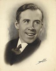 Author photo. Photograph in 1938<br> (Credit: Famous Studio/Bibliothèque et Archives Canada/<br>e000001110)