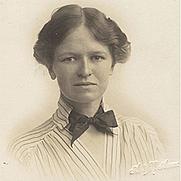 Author photo. Passport photograph of Jessie Lillingston, 1915. (National Library of Australia, NLA 2683/11/6)