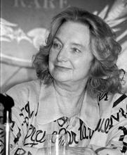 Author photo. L'écrivaine Christine Arnothy à Deauville, septembre 1989.