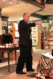 "Author photo. By Dwight Burdette - Own work, <a href=""https://commons.wikimedia.org/w/index.php?curid=18312055"" rel=""nofollow"" target=""_top"">https://commons.wikimedia.org/w/index.php?curid=18312055</a>"