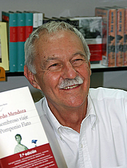 Author photo. Eduardo Mendoza (Feria del Libro de Madrid, 6 de junio de 2008) by r Miguel A. Monjas