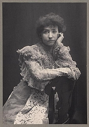 Author photo. Mrs. Fiske in &quot;Love finds the way&quot; <br>Credit: Zaida Ben Yusuf, 1896 <br>(LoC Prints and Photographs Division,<br> LC-DIG-ppmsca-10101)