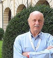 """Author photo. Paolo Pejrone da """"GAZZETTA DI MANTOVA"""" - Il nostro giardino felice può anche essere soltanto un geranio - 8 settembre 2014"""
