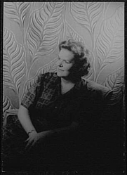 Author photo. Maureen Forrester, 1960. Photo by Carl Van Vechten. (Library of Congress Prints and Photographs Division)