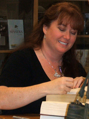 Author photo. Sherrilyn Kenyon at Bad Moon Rising book signing in Portland, Oregon. Photo mine.