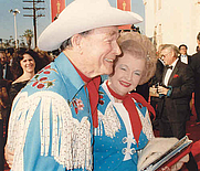 Author photo. Roy Rogers (1911-1998) and Dale Evans (1912-2001) Photo by Alan Light, March 29, 1989, 61st Academy Awards (Flickr attribution license)