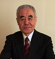 Author photo. From <a href=&quot;http://www.ilyfunet.com/assets/images/ovni/2009/655/shinmon.jpg&quot; rel=&quot;nofollow&quot; target=&quot;_top&quot;>http://www.ilyfunet.com/assets/images/ovni/2009/655/shinmon.jpg</a>
