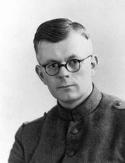 Author photo. Ulbe van Houten als soldaat. In Ein fen 'e mars ('Einde van de mars', 1945) beschreef hij zijn ervaringen in de meidagen van 1940.