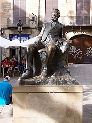 Author photo. Statue of Àngel Guimerà in Barcelona.  Photo by Sergi Larripa.