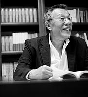 Author photo. 황석영