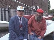 Fotografia de autor. Geoffrey Budworth (on left)