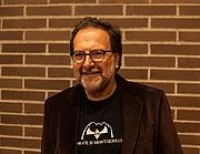 Forfatter foto. Celdoni Fonoll a la presentació Ales i pètals, 18 de novembre de 2013